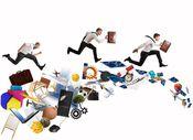 金融機関に創意工夫を促す強制力
