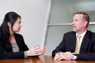 グローバルに投資機会があるなかで、敢えて日本株のプロフェッショナルを目指された背景やきっかけについて教えてください。