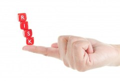Q4. 新興国株式に投資する際、最大のリスクは何だと思いますか?